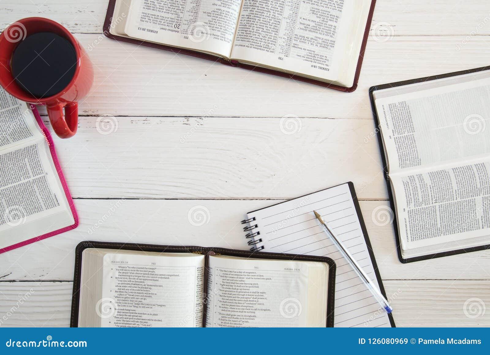 Estudo da Bíblia do grupo