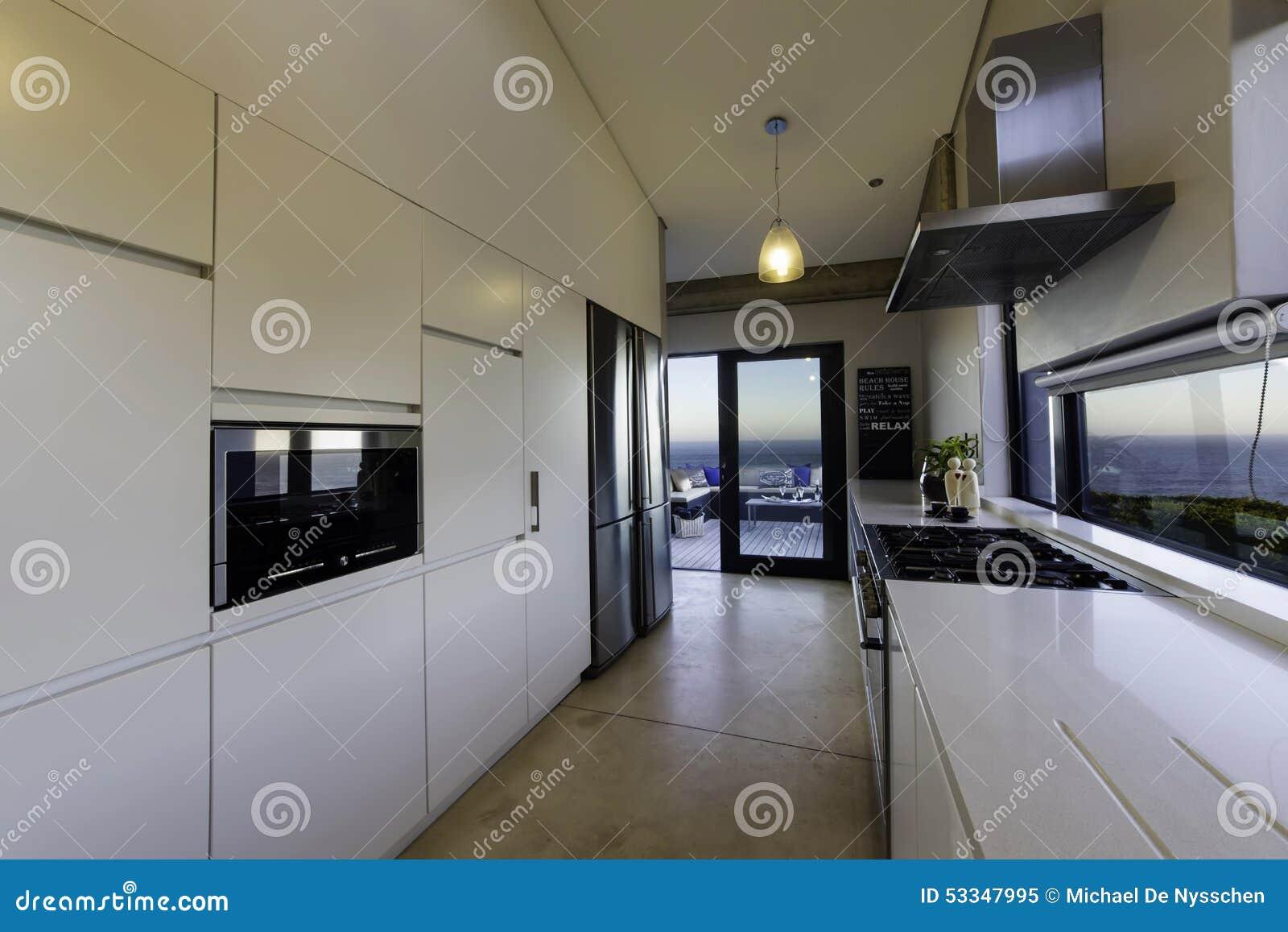 Estufa de gas moderna de la cocina imagen de archivo for Estufas de cocina de gas
