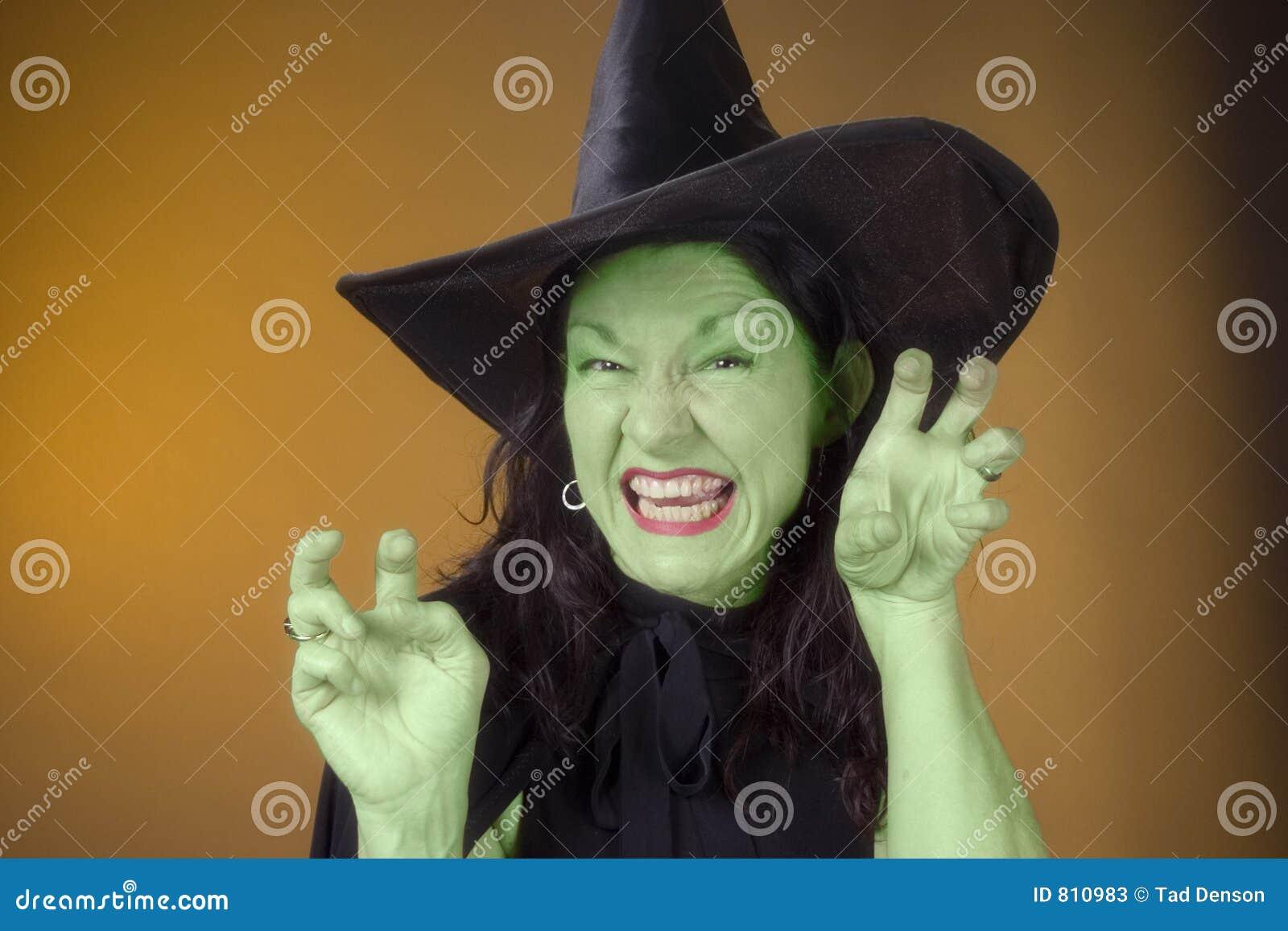 Esverdeie a bruxa