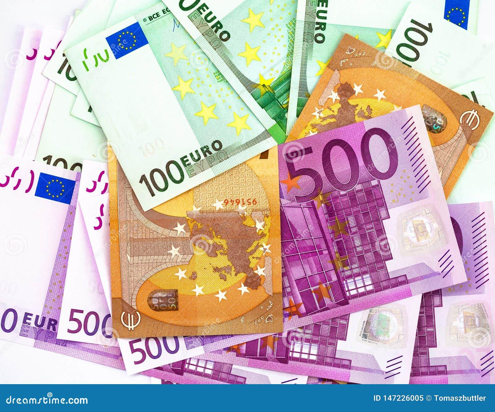 500 100 et 50 billets de banque d euros