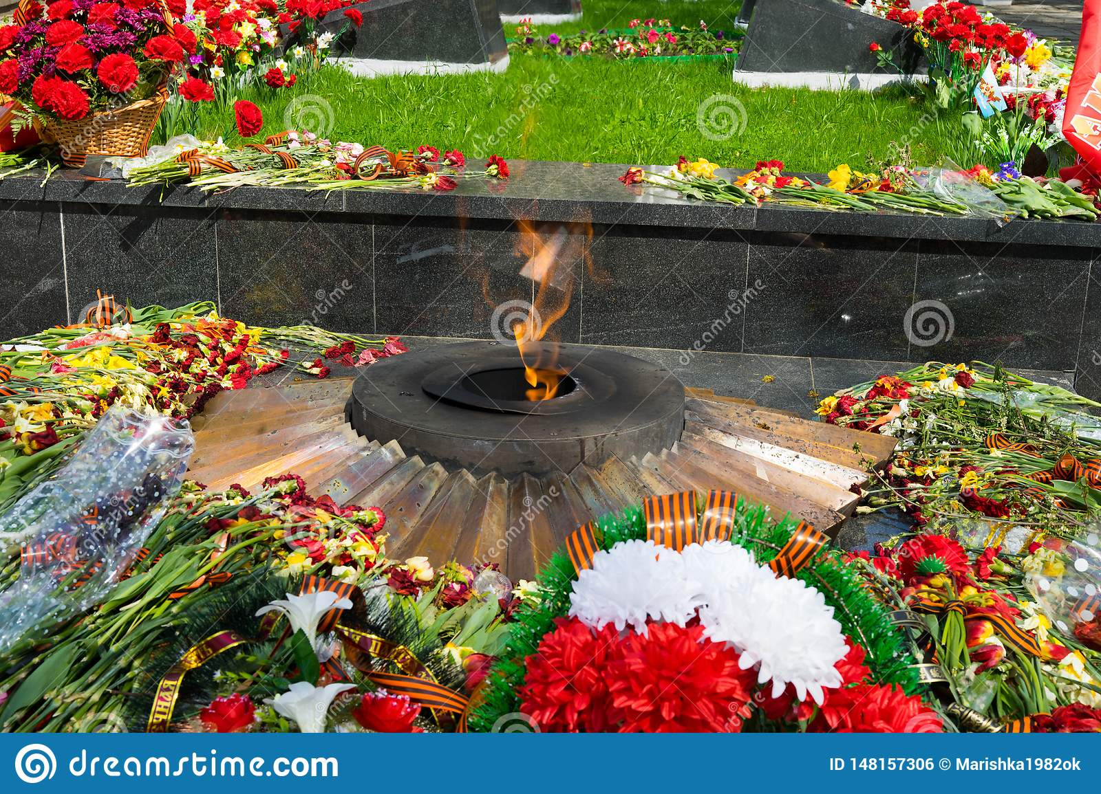 Eternal flame - with flowers