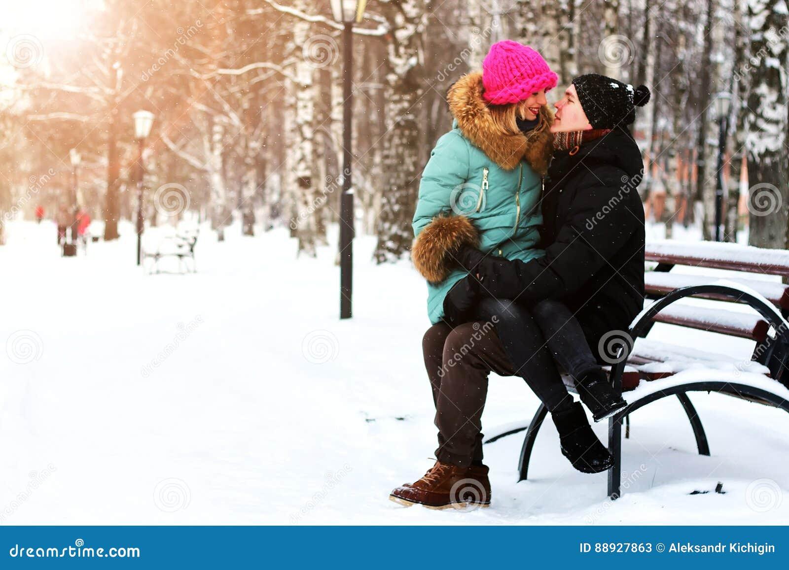 Eterosessuali dell amante ad una data nell inverno