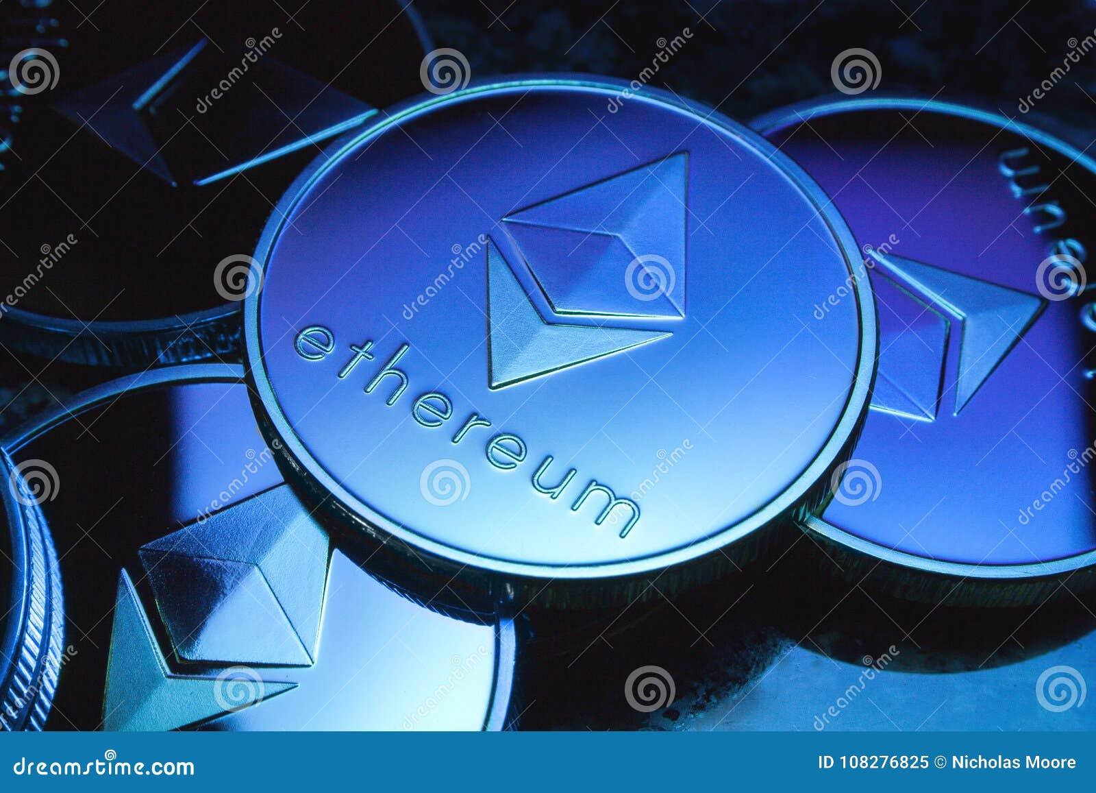 Ethereum-Münzen mit blauer Tönung