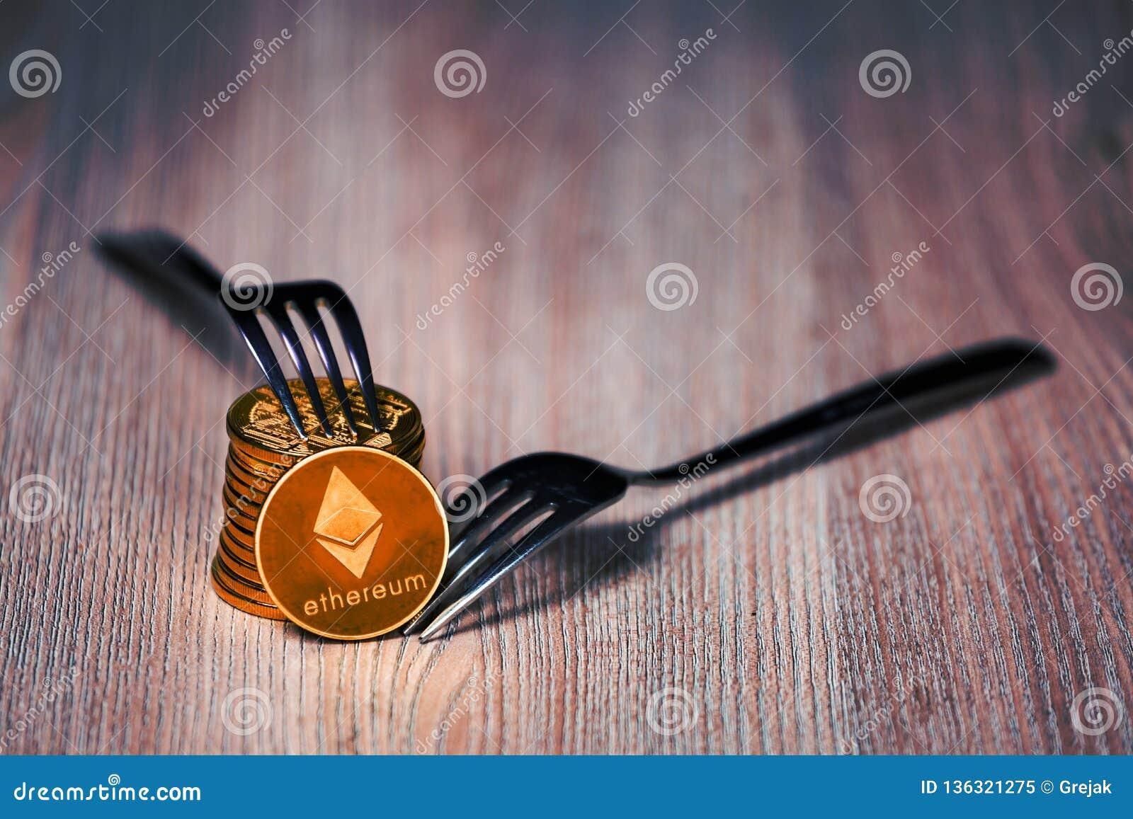 Ethereum mynt på en trätabell