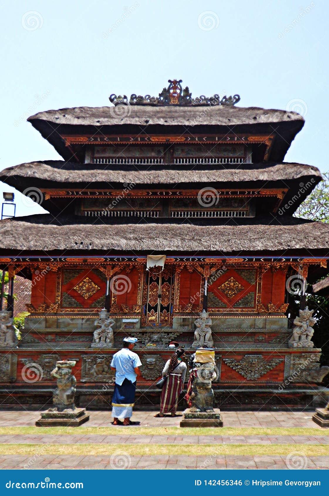 Ethnisches Bali-Gebäude