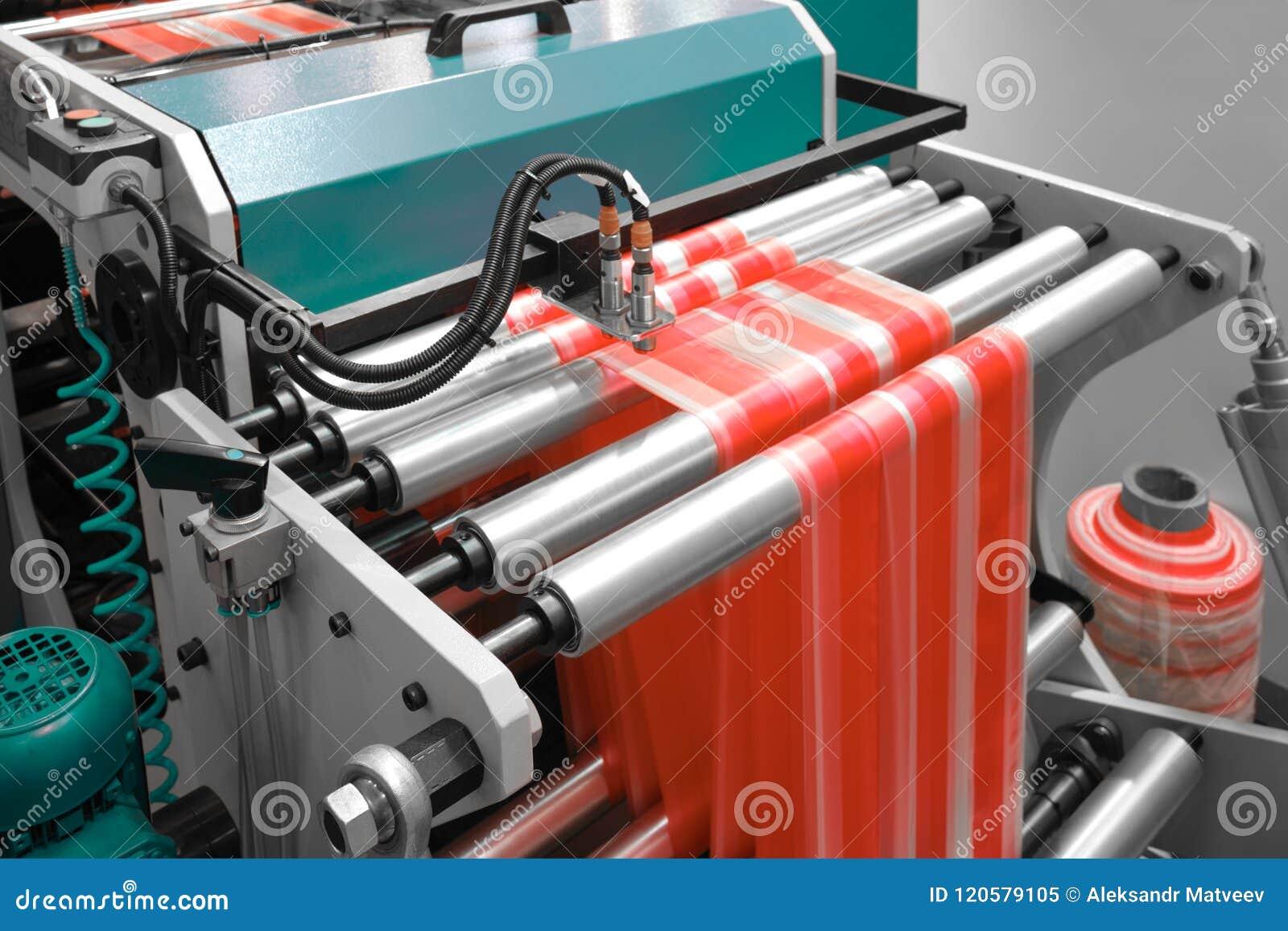 Etiketten die op de machine van de flexodruk vervaardigen