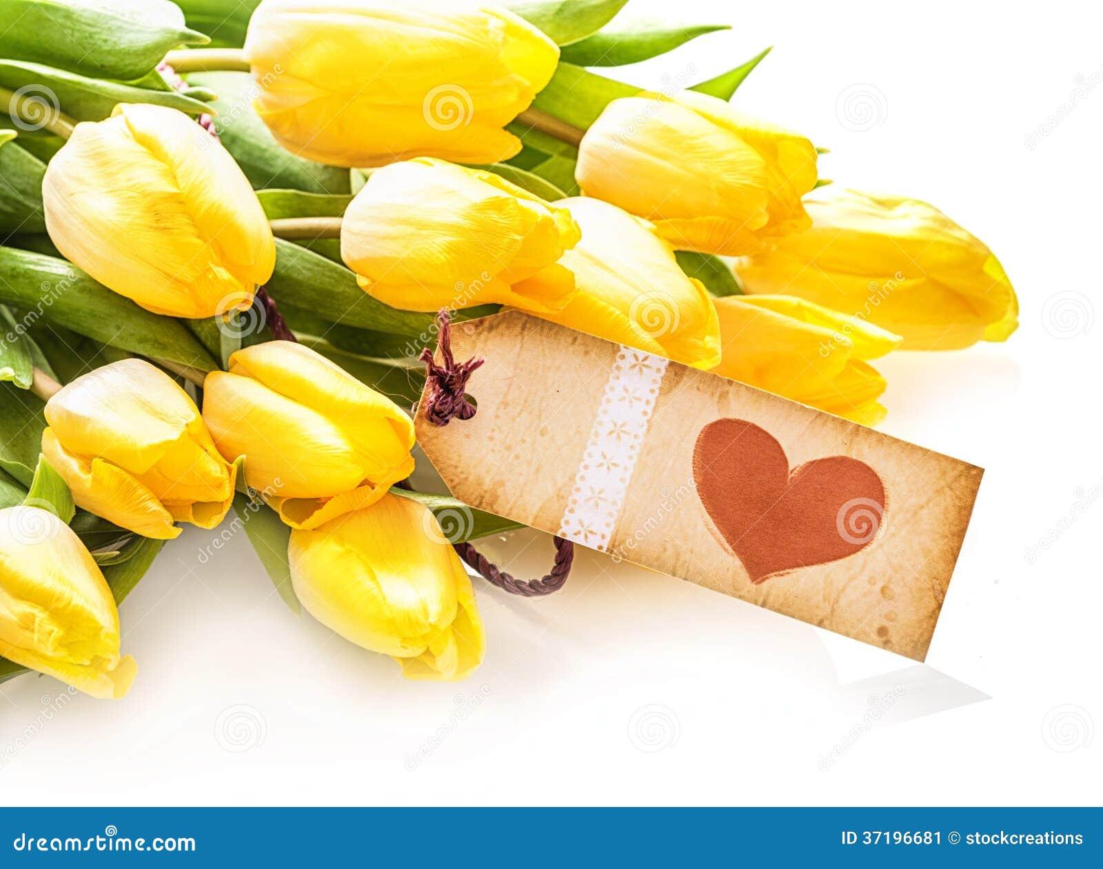 Etiqueta del coraz n del vintage en un manojo de tulipanes for 20x20 costo del mazzo