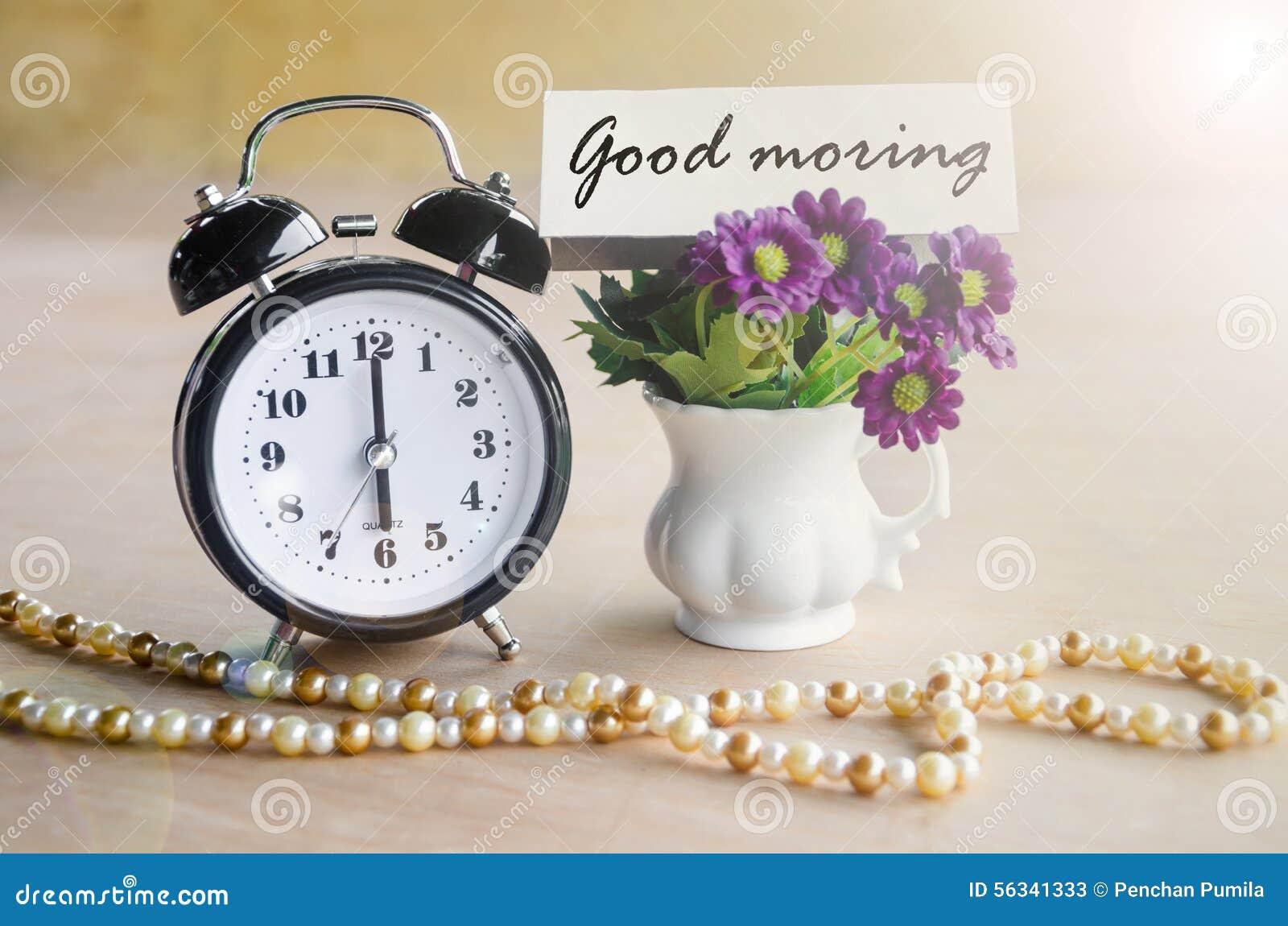 Uma Flor De Bom Dia: Etiqueta Do Despertador E Do Bom Dia Com Flor Violeta Foto