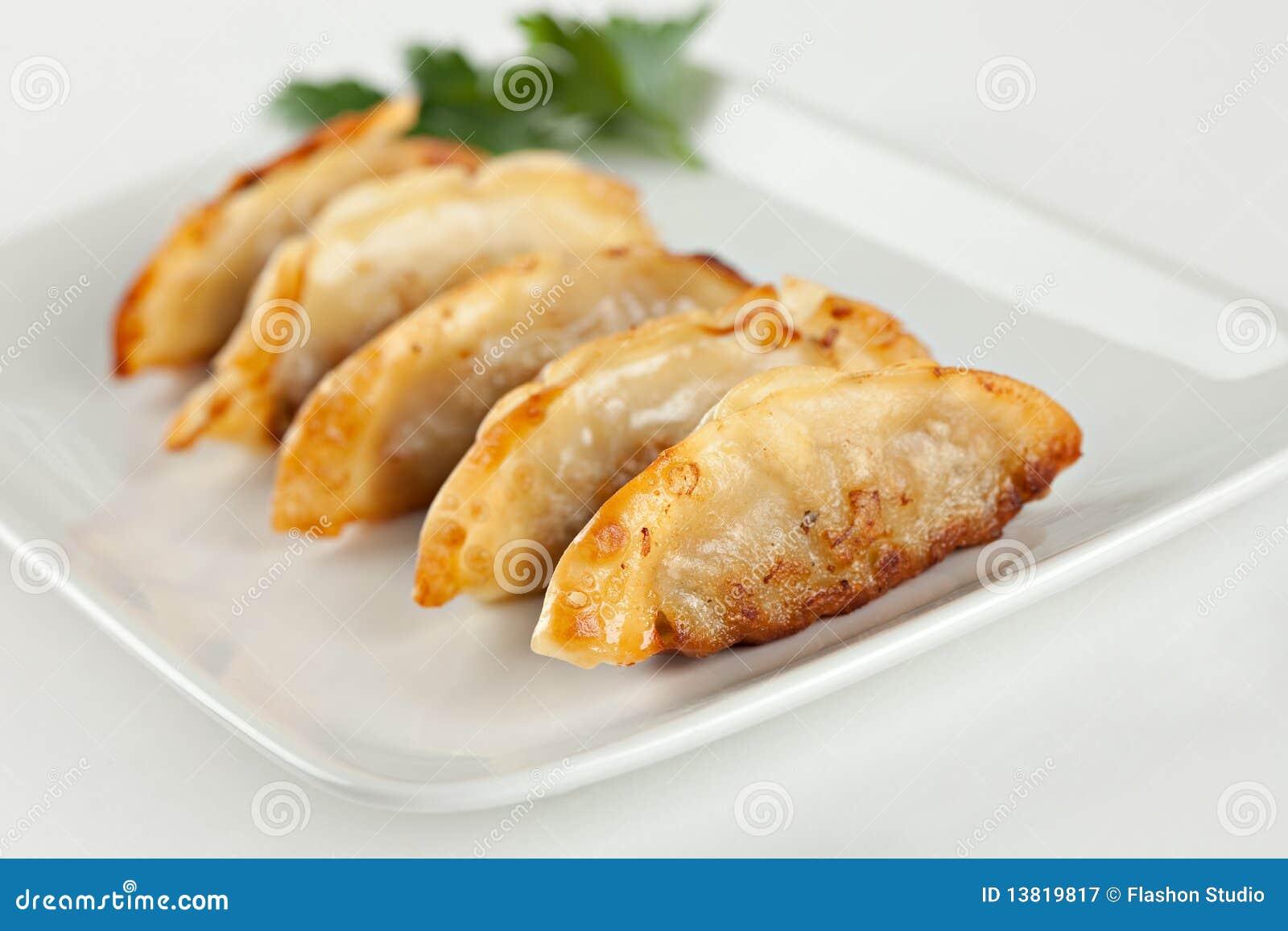 Etiquetas engomadas de crisol fritas, bolas de masa hervida