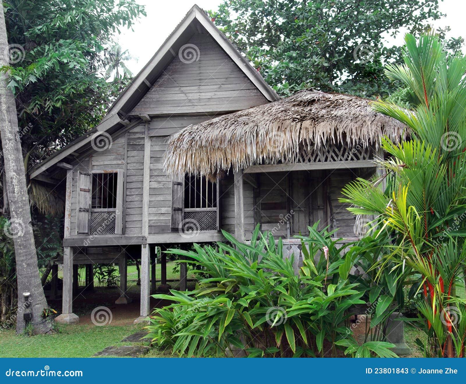 Etnisch zuidoostaziatisch huis op stelten