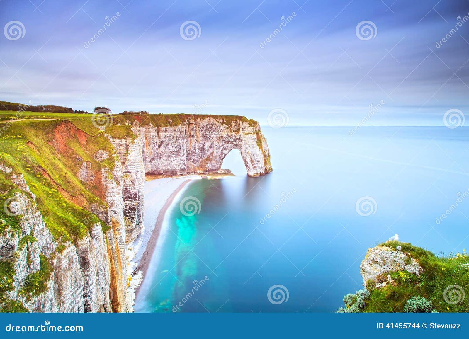 Etretat, Manneporte自然岩石曲拱和它的海滩 诺曼底, F