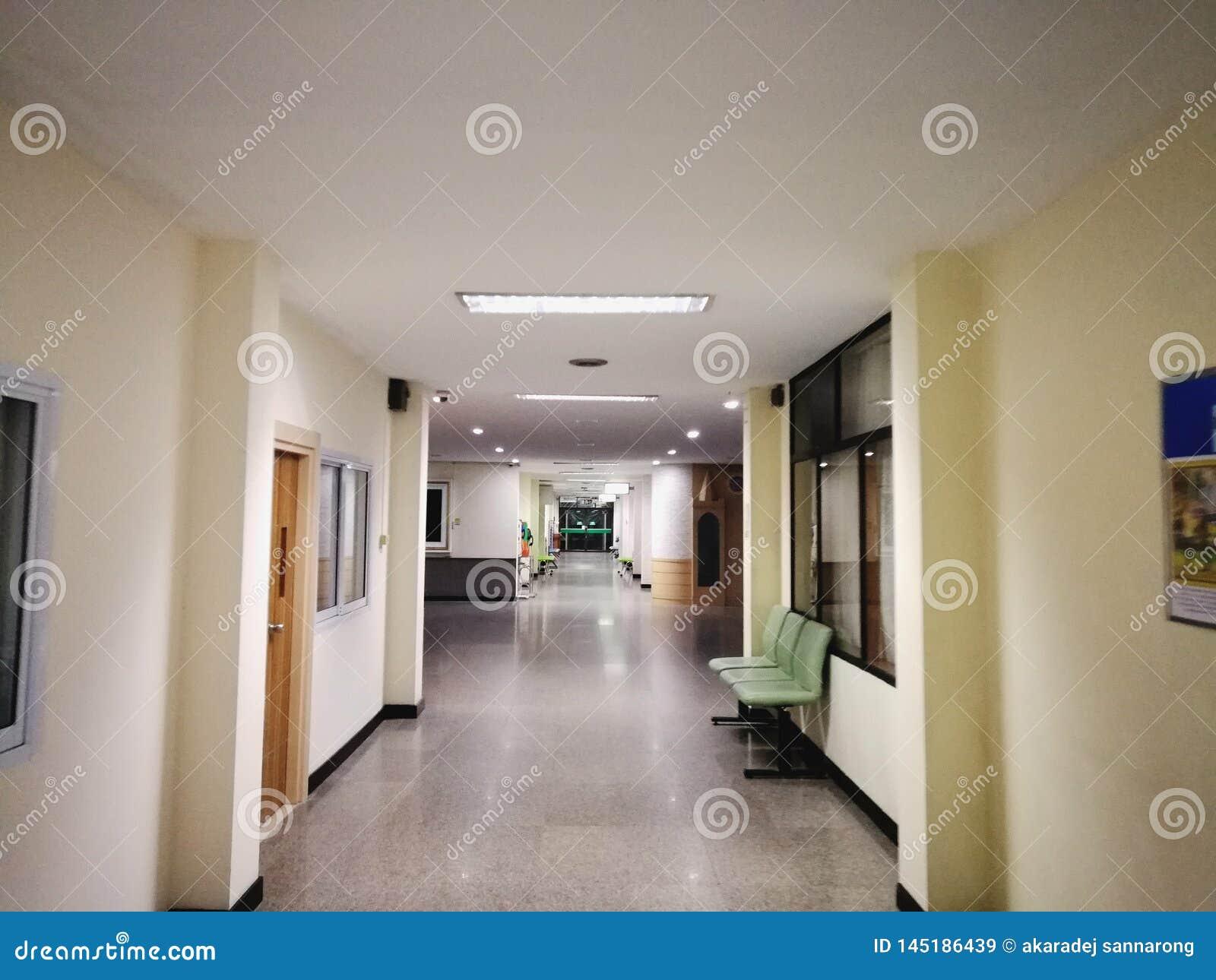 Ett ensamt sjukhus sent på natten