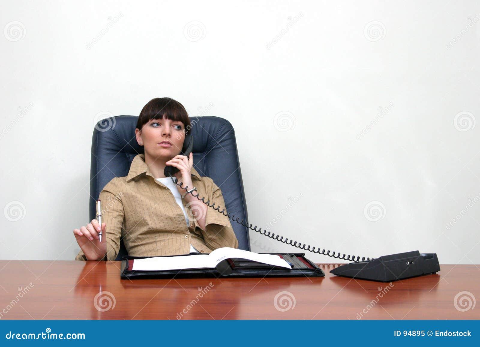 Ett felanmälan koncentrerad konsulenttelefon