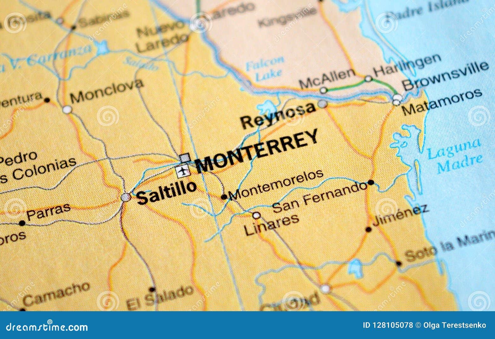 Ett foto av Monterrey på en översikt