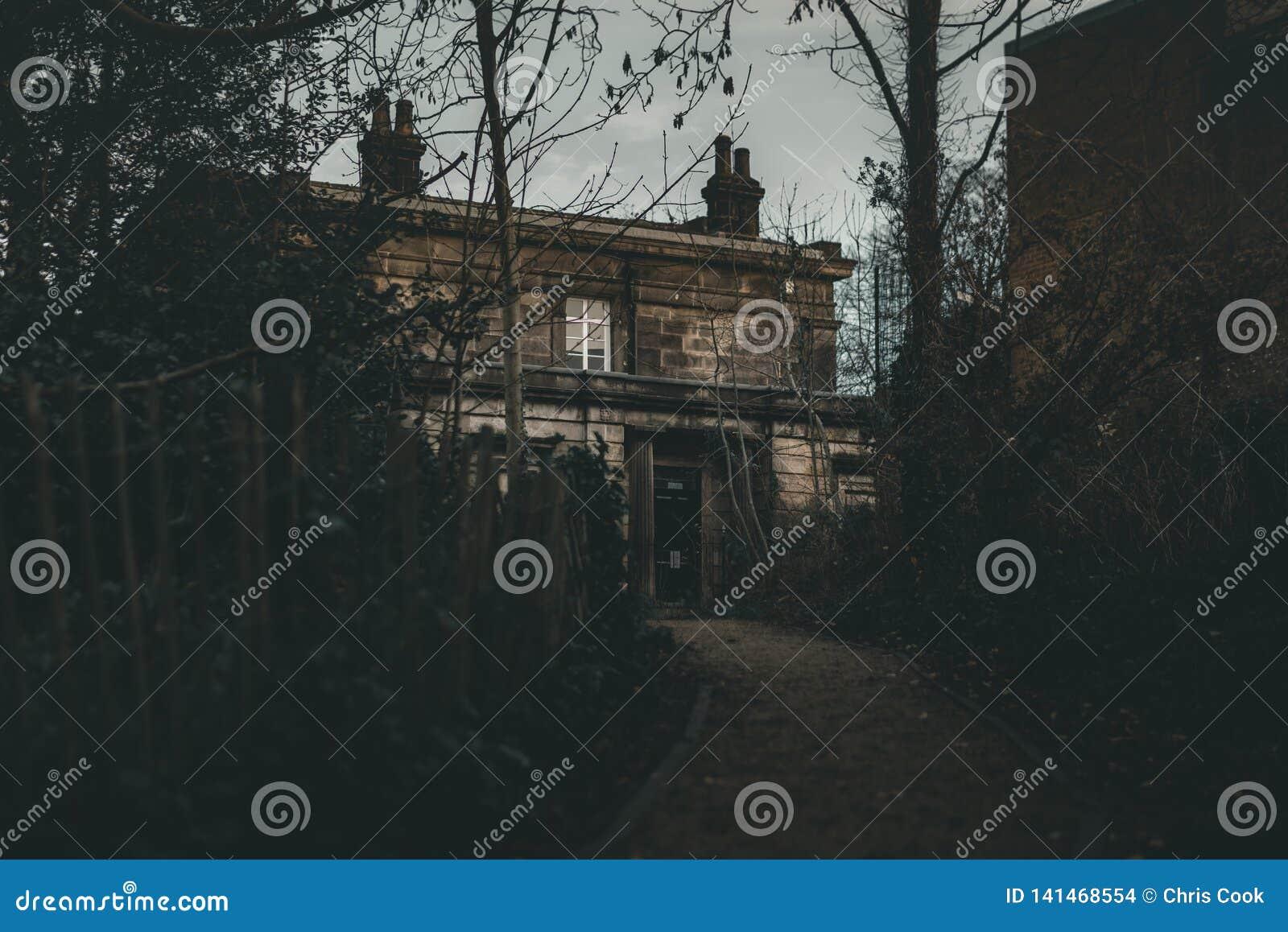 Ett läskigt spökat hus