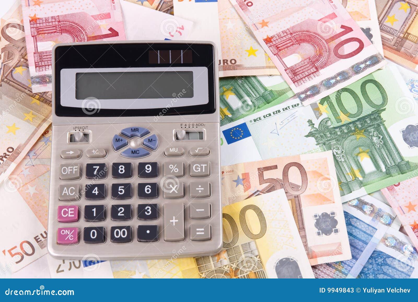 euro billets de banque et calculatrice 2 image stock image 9949843. Black Bedroom Furniture Sets. Home Design Ideas