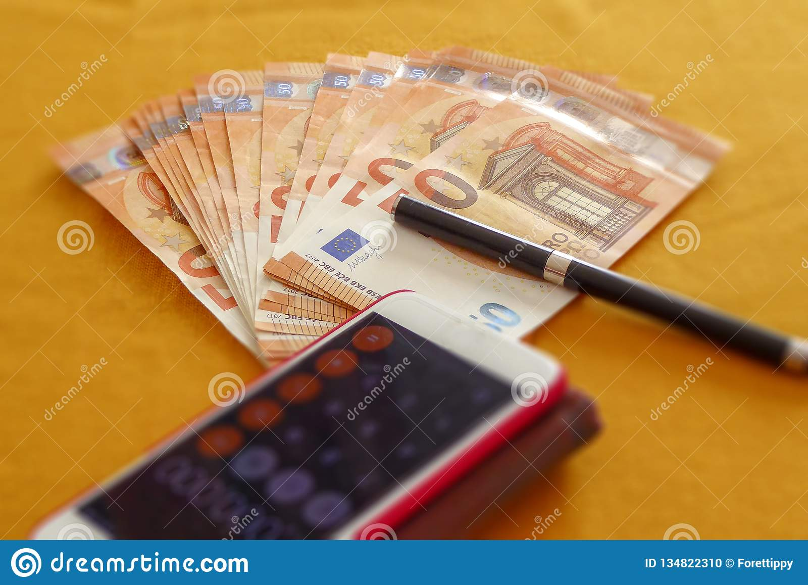 Euro i smartphone używamy wpólnie nowaday