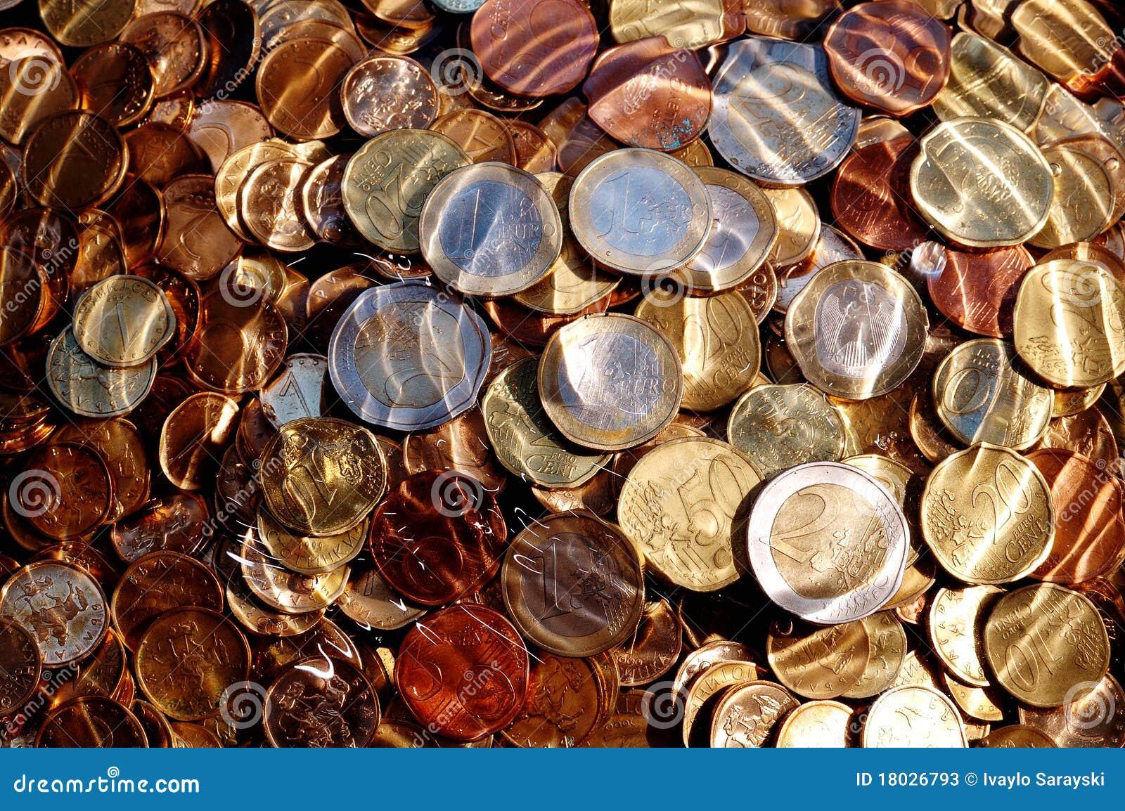 Euro pièces de monnaie sous l eau
