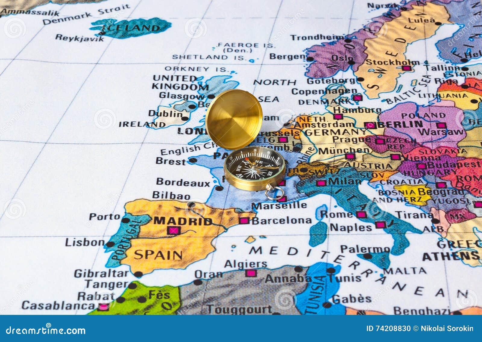 Europakarte Nordeuropa Karte.Europa Karte Und Kompaß Stockfoto Bild Von Ziel Reise 74208830