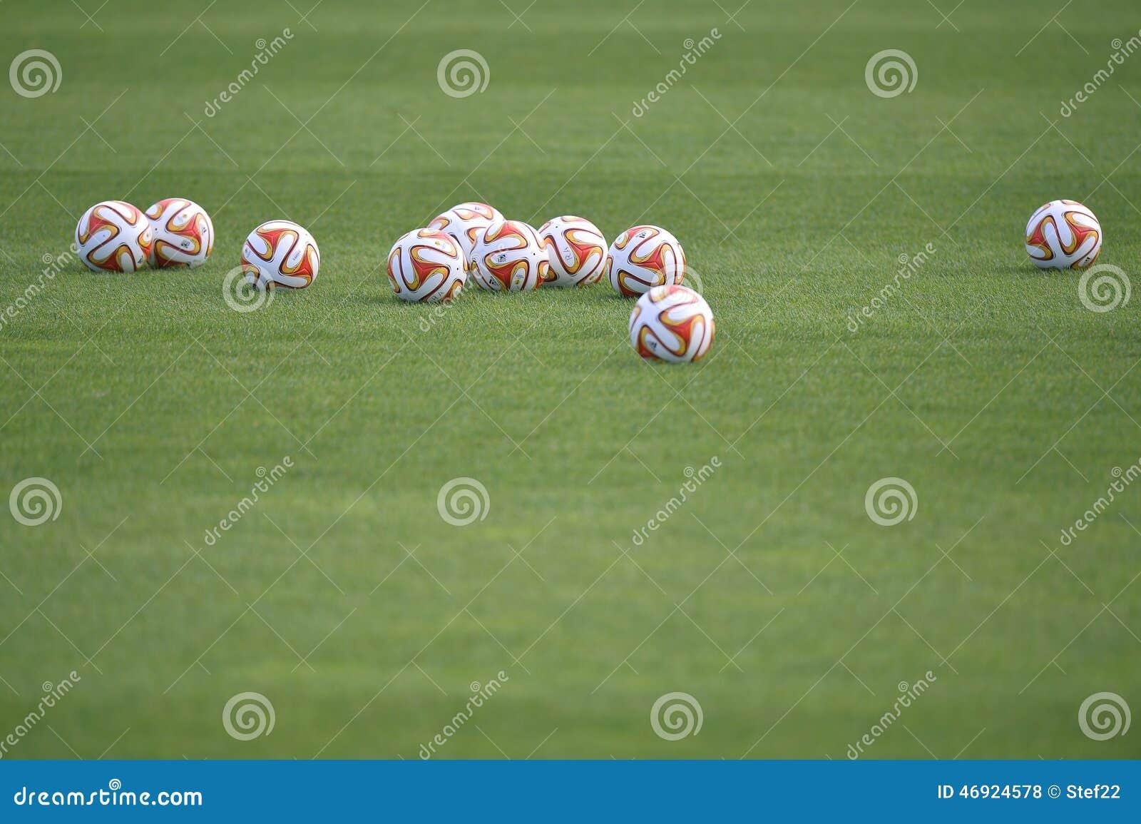 Europa League official balls