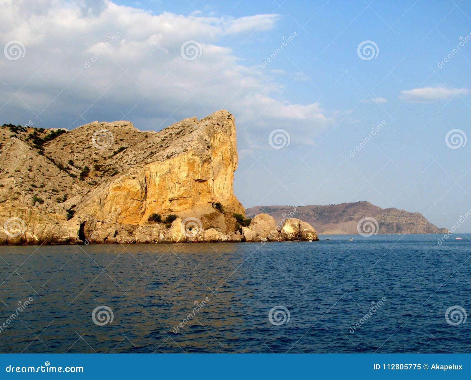 Europa Ukrainare riviera crimea Region av den Sudak sjösidastaden Riff i solnedgång på Blacket Sea Härlig seascapessikt med Ge