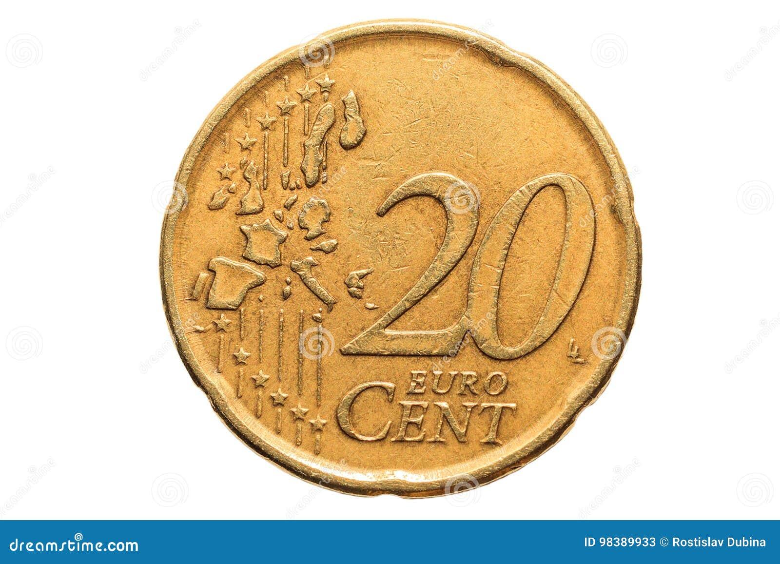 Europeiskt mynt med ett nominellt värde av tjugo eurocent som isoleras på vit bakgrund Makrobild av europeiska mynt