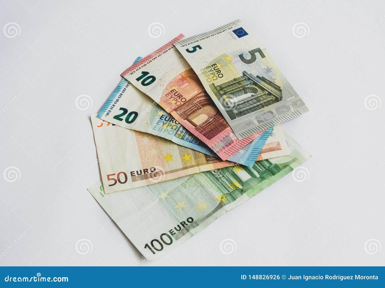 Eurowährungsbanknoten, überreicht