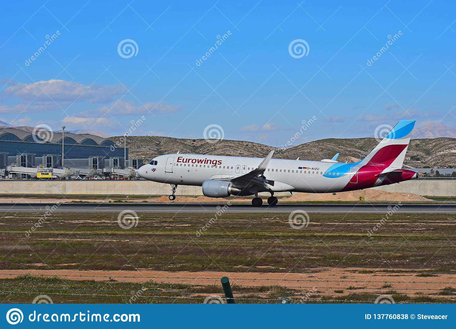 Eurowings passagerare Jet Touches ner
