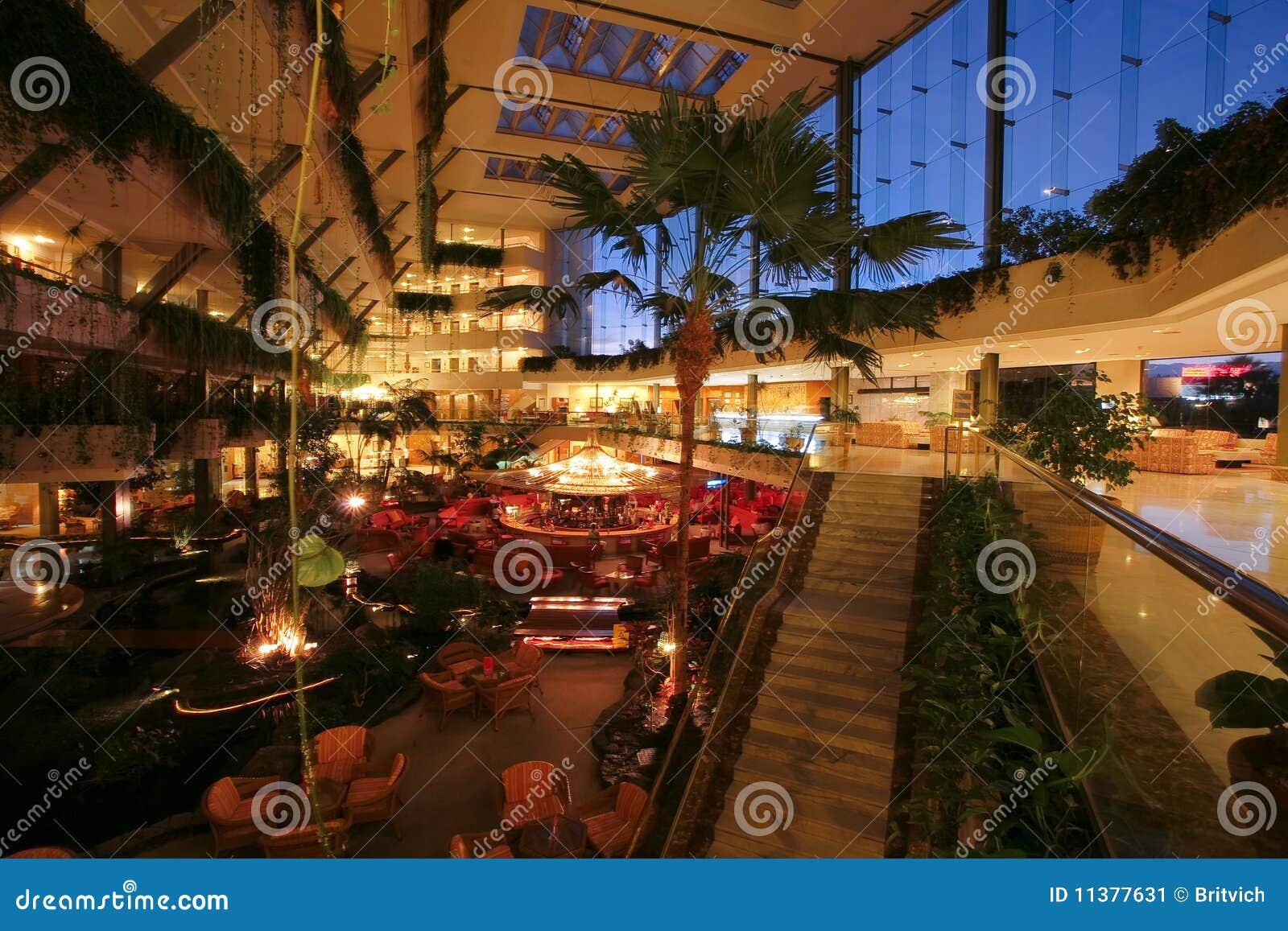 Evening Luxus Hotel view