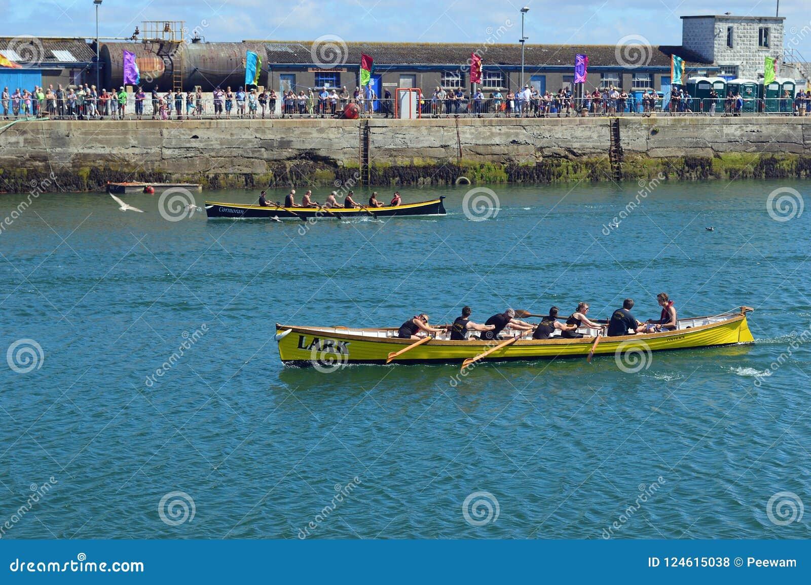 Evento che corre nel porto Cornovaglia, Inghilterra di Newlyn