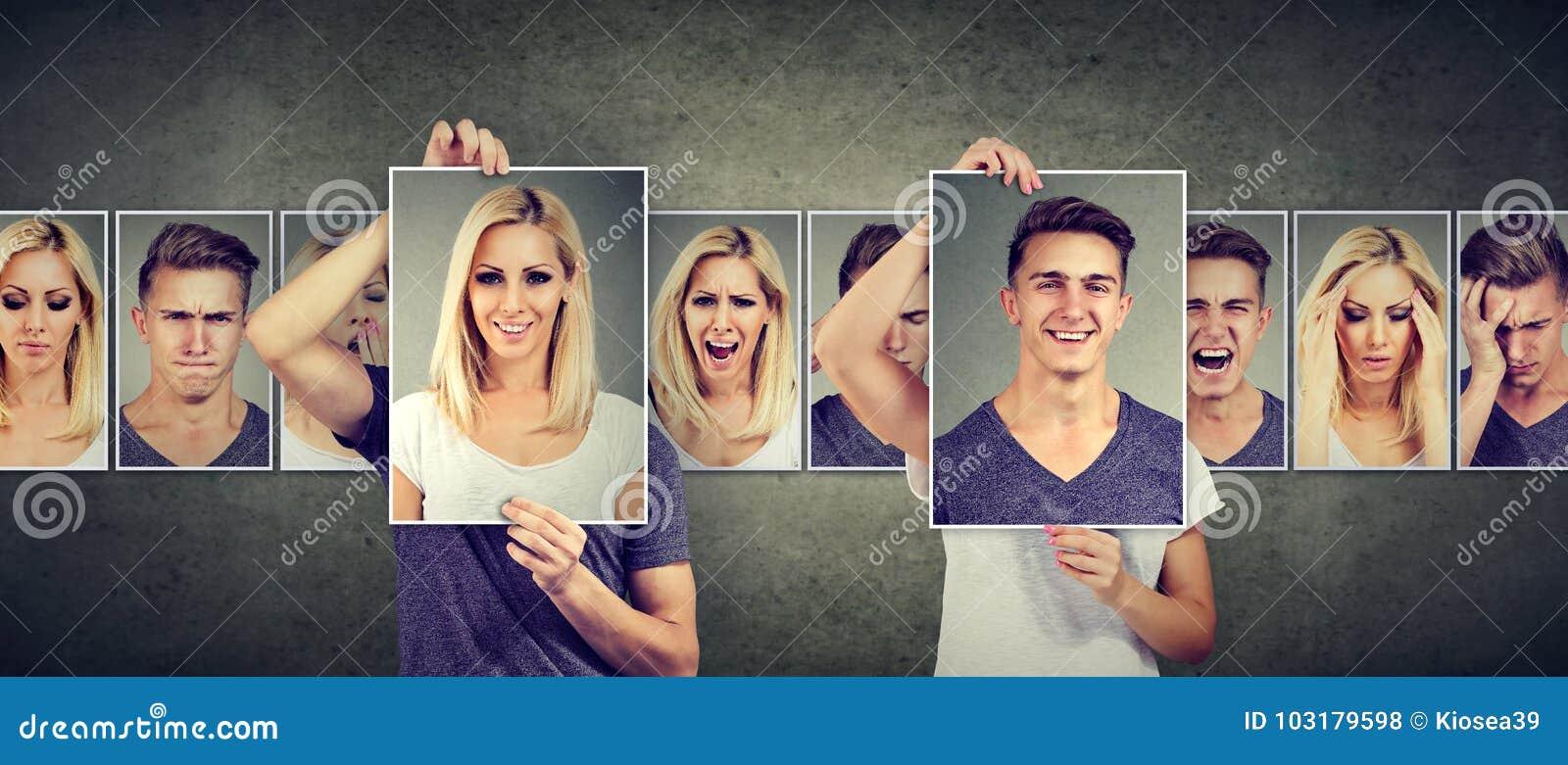 Evenwichtige verhouding Gemaskeerde vrouw en man die verschillende emoties uitdrukken die gezichten ruilen