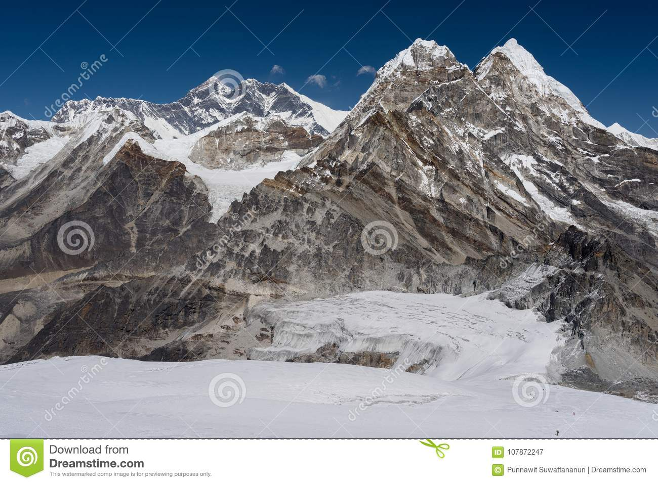 Everest mountain peak view from the way to Mera peak, Everest re