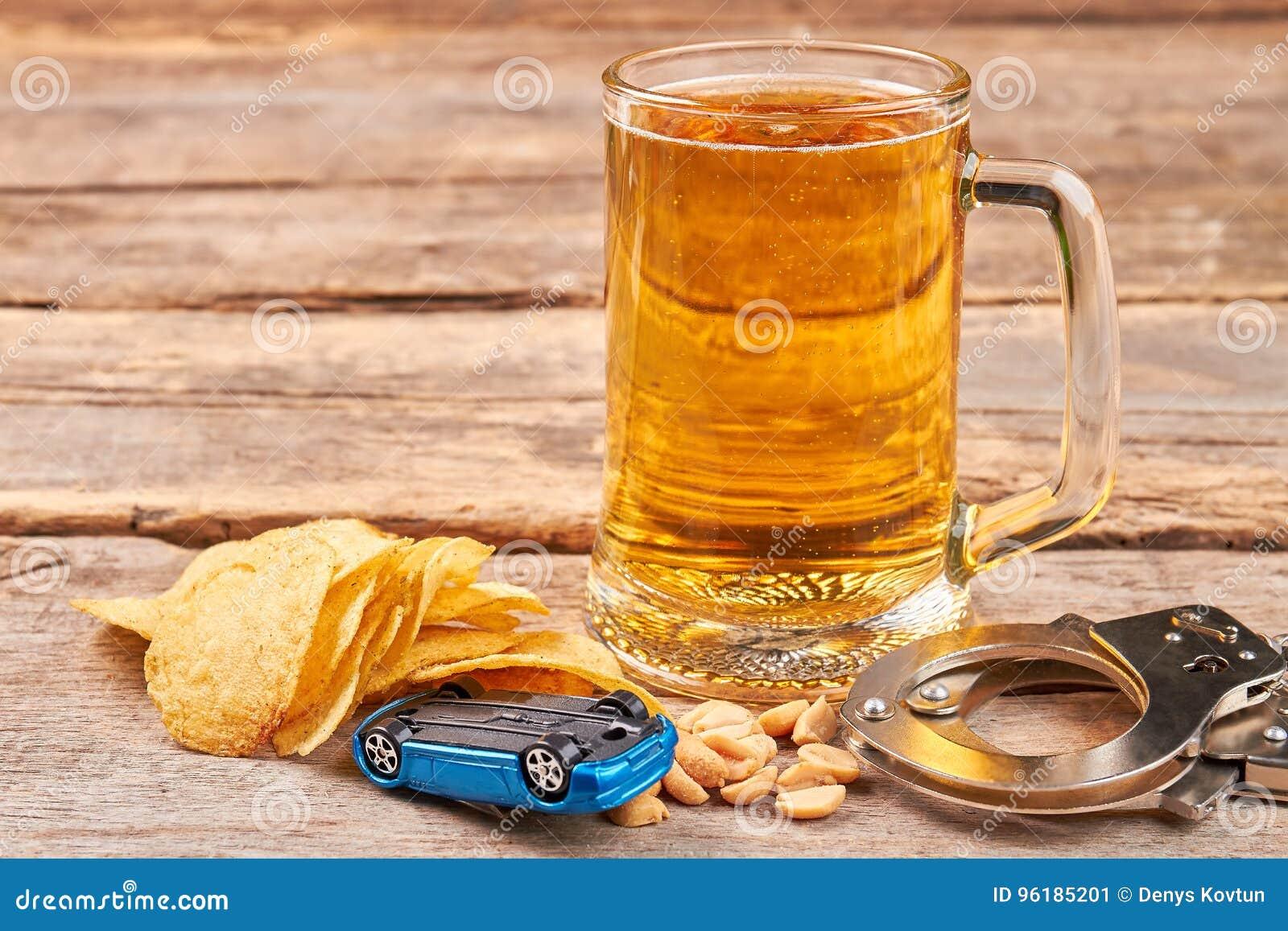 Evite culpable en los caminos, no beba
