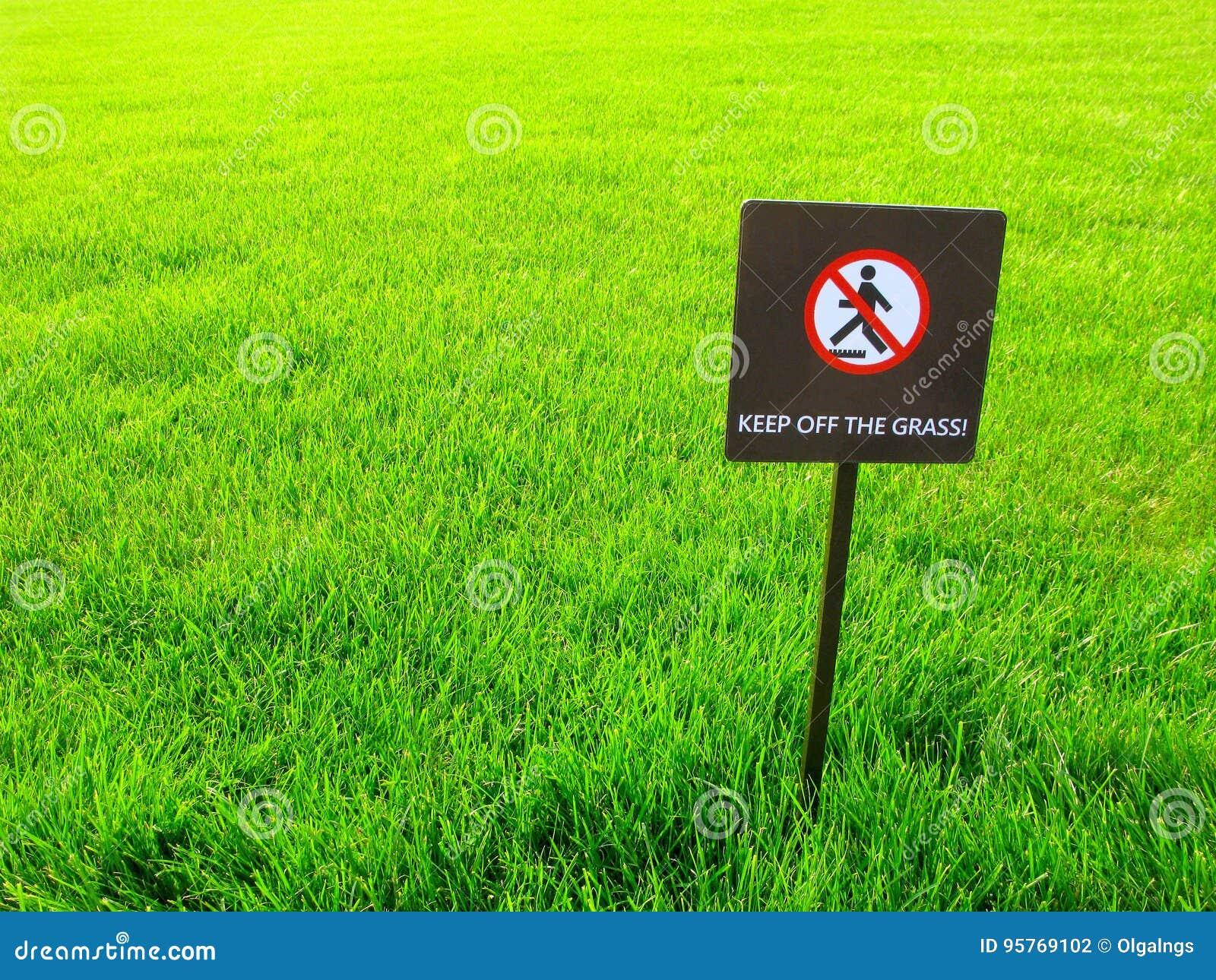Evite la hierba, señal de peligro