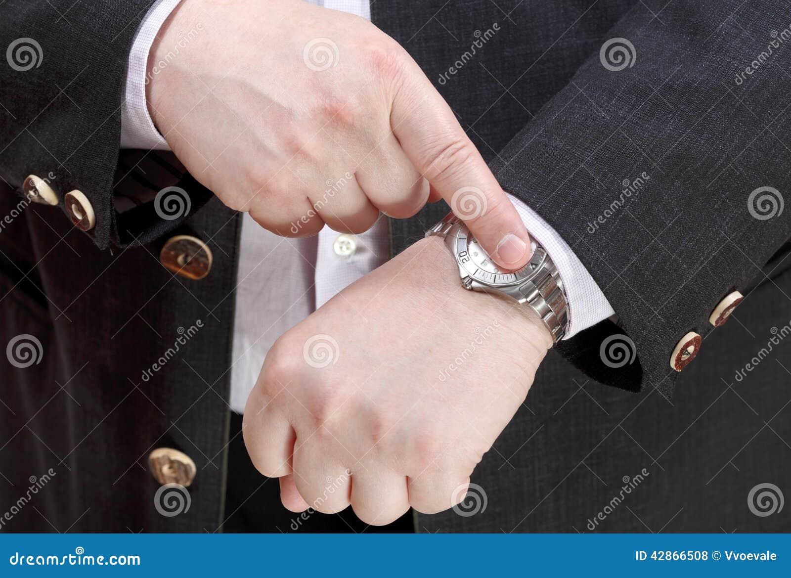 Exakt tid för manshow på armbandsurslut upp
