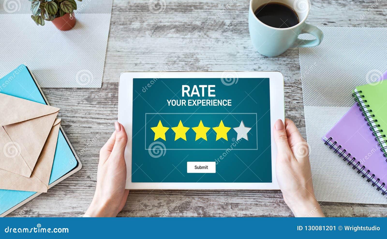 Examen d expérience de client de taux Service et satisfaction du client Évaluation de cinq étoiles Concept d affaires et de techn