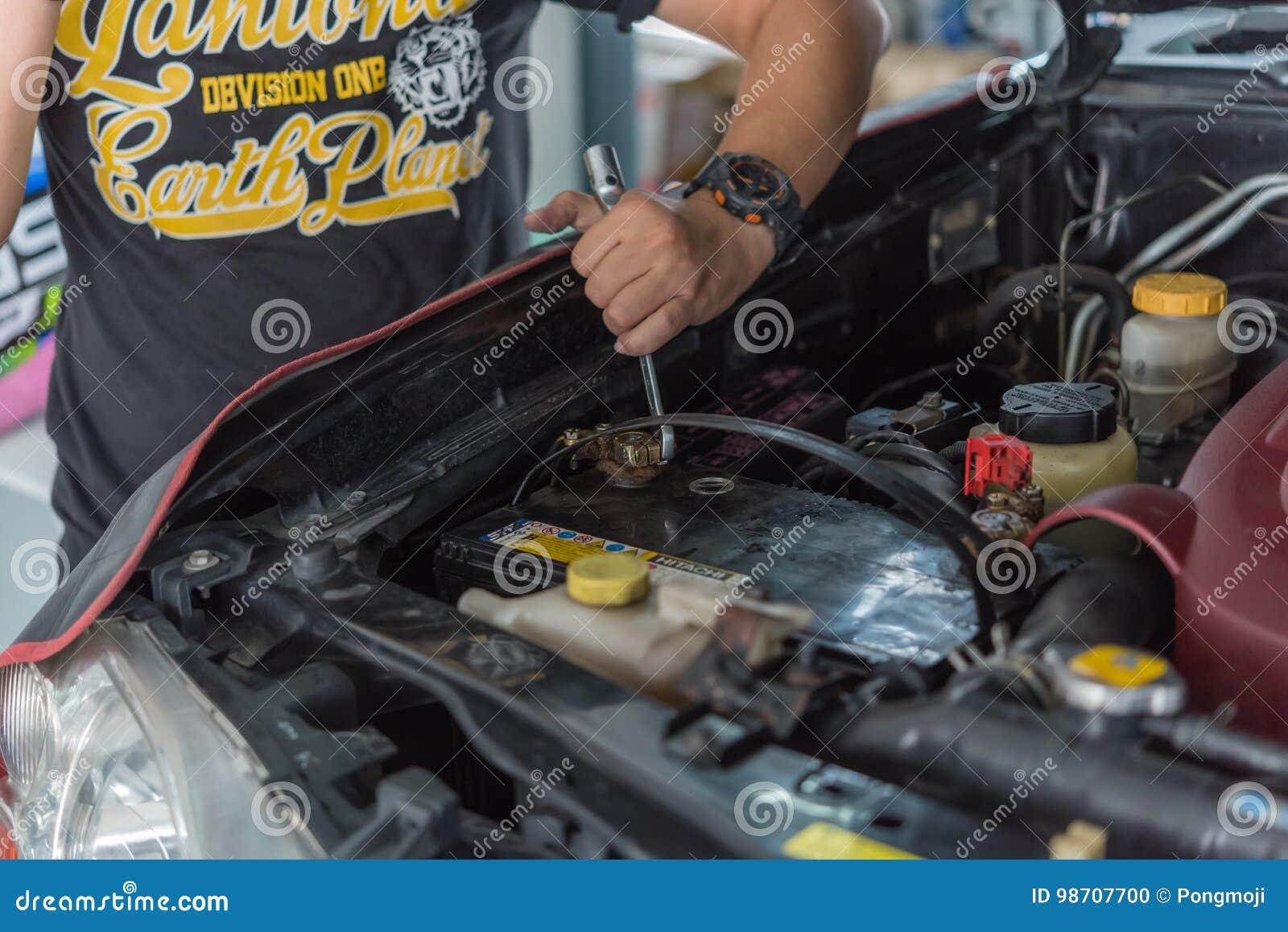 batterie voiture danger