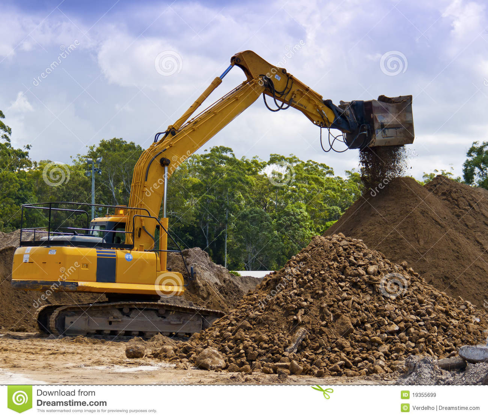Construction Site Soil : Excavating machine screening soil stock image