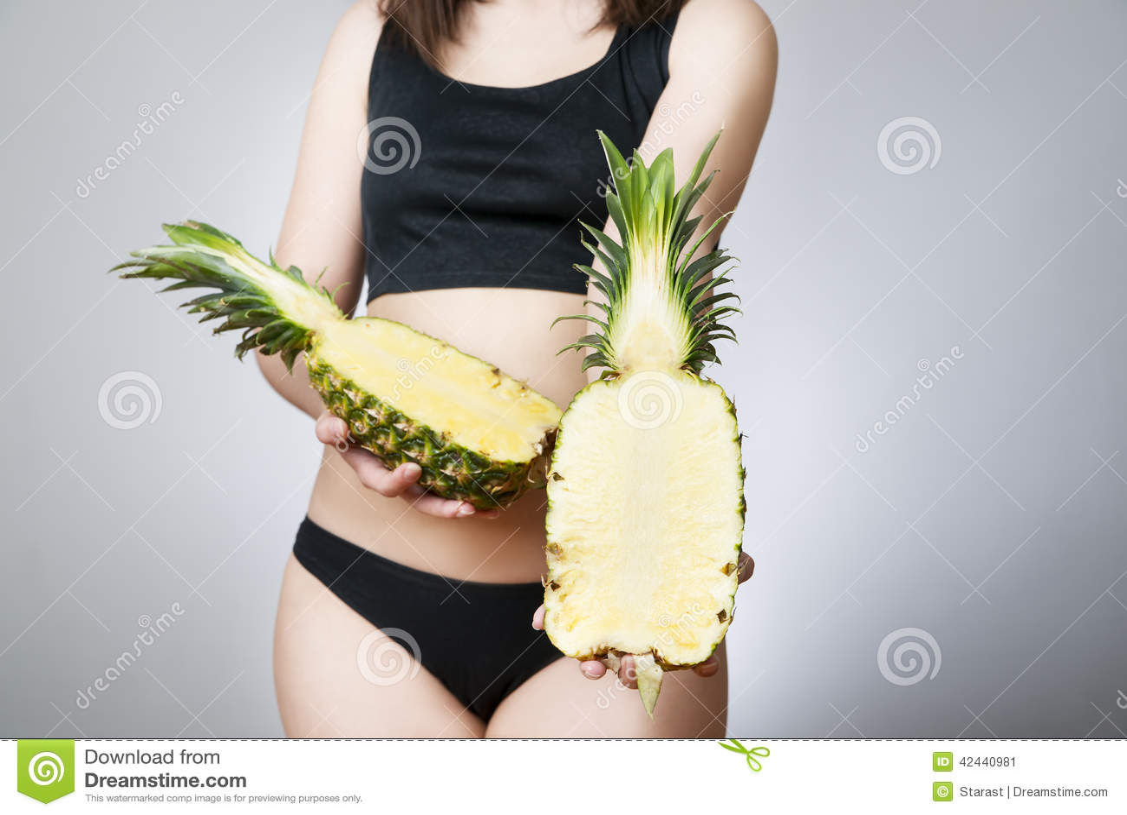 Exceso de peso de las mujeres con la piña