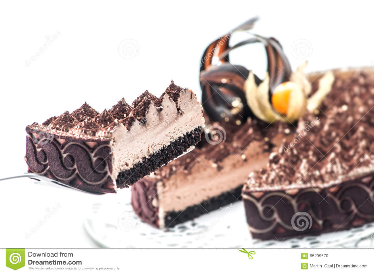 Exclusive tiramisu with cocoa and chocolate decoration on for Decoration gateau 3 chocolat