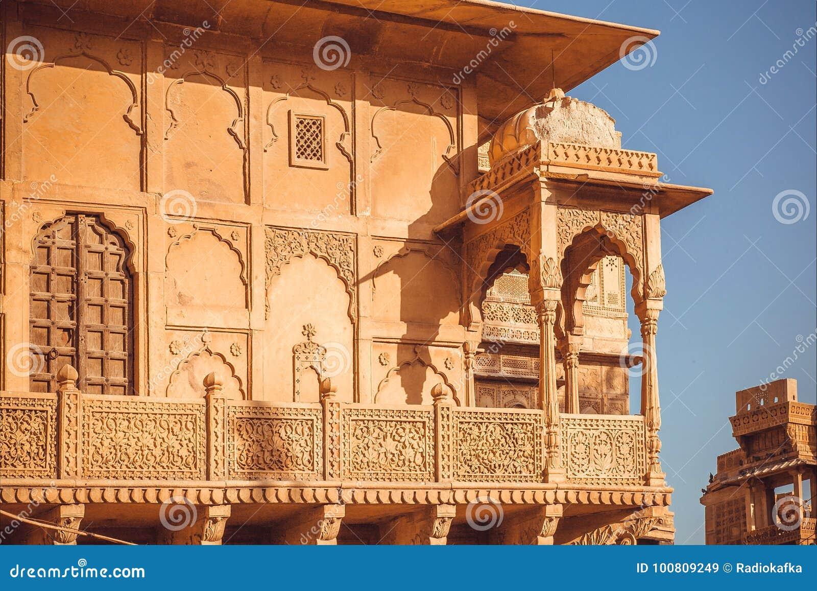 download exemple darchitecture indienne avec des dtails de faade de maison historique de