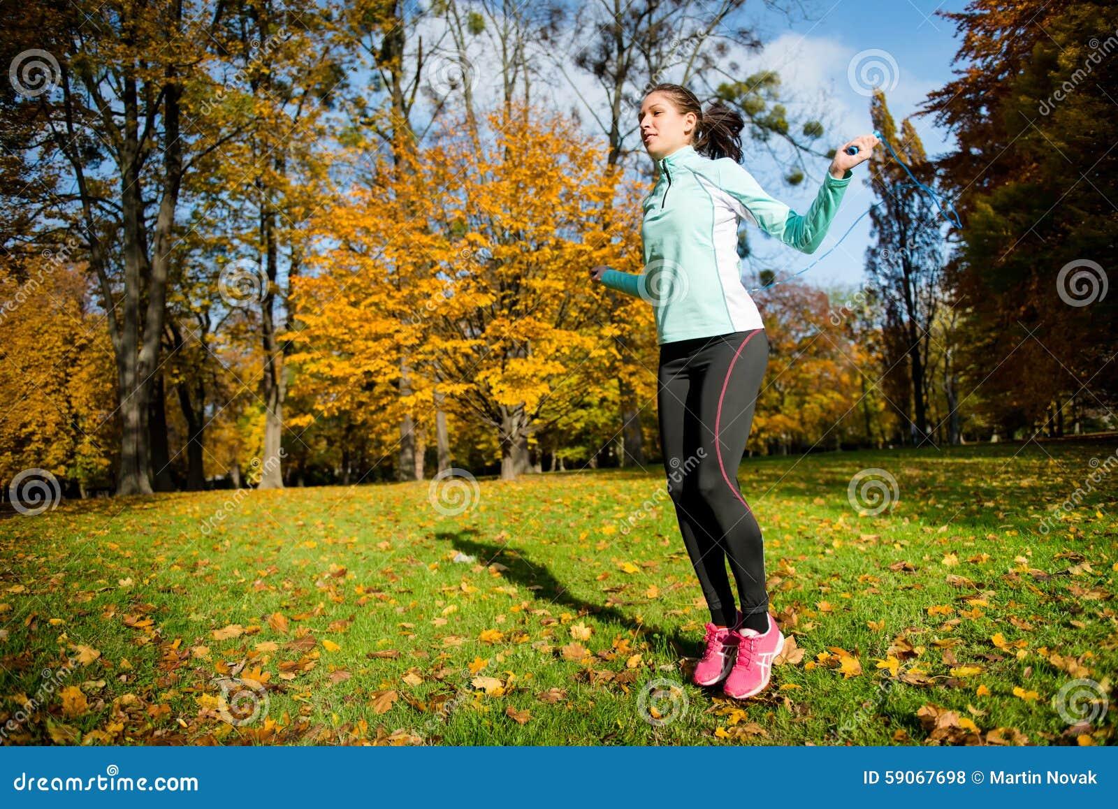 Exercício com corda de salto