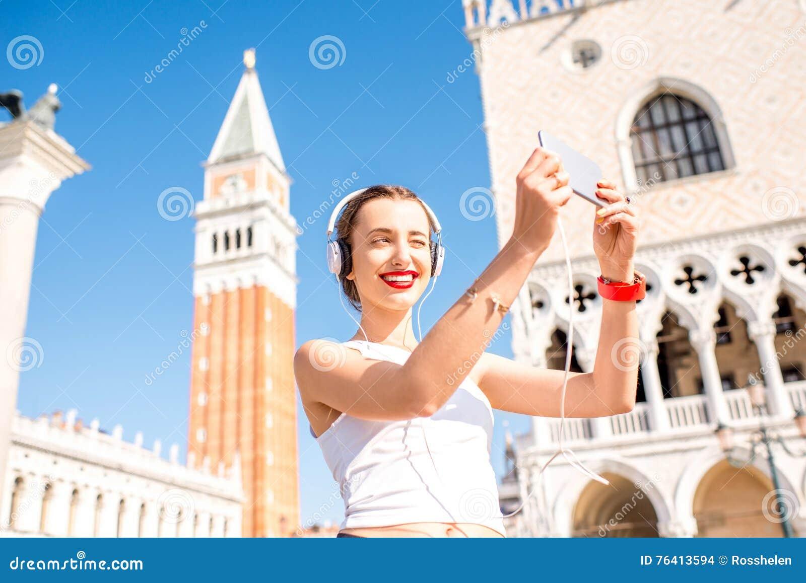 Exercício da manhã na cidade velha de Veneza