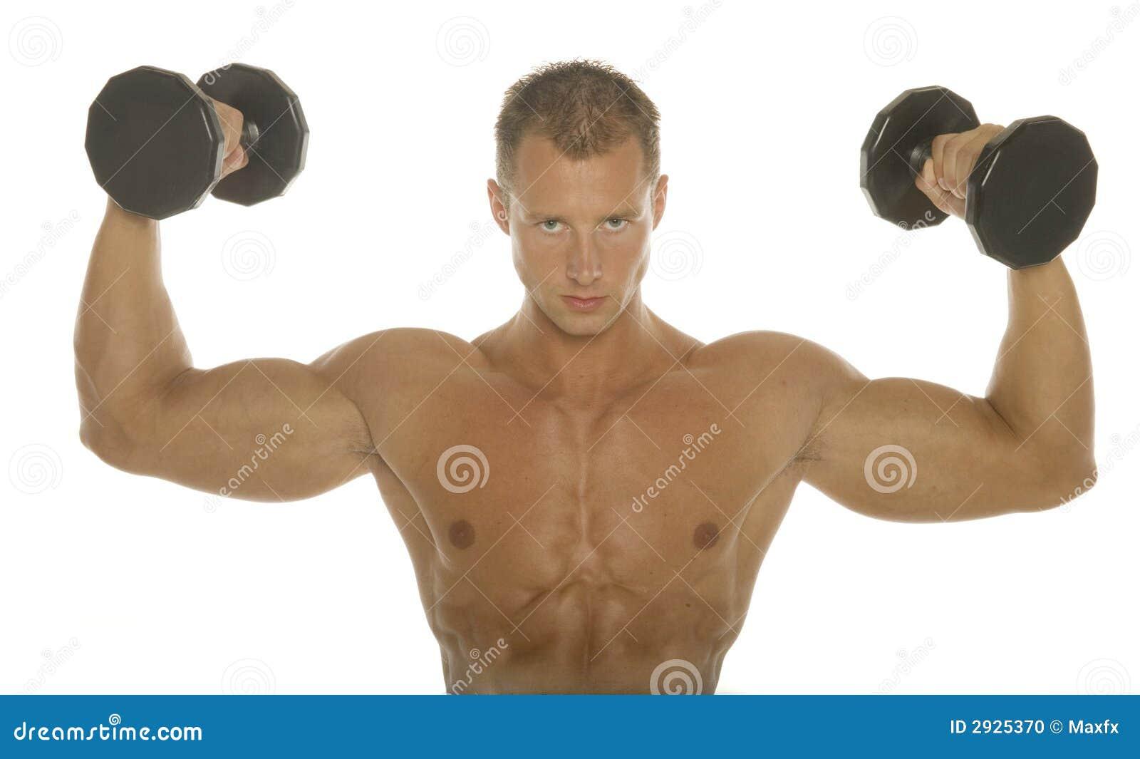 Exercício do braço do construtor de corpo