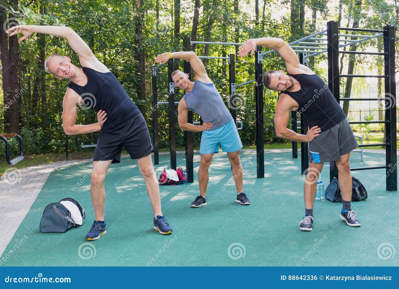 Exercice d hommes extérieur