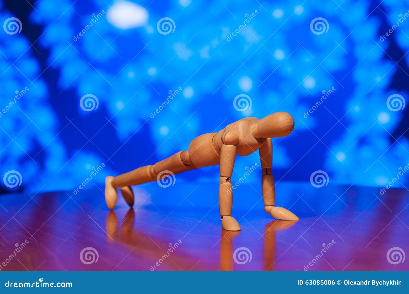Download Exercice En Bois De Figurine De Muet, De Mannequin Ou D'homme Photo stock - Image du noyau, club: 63085006