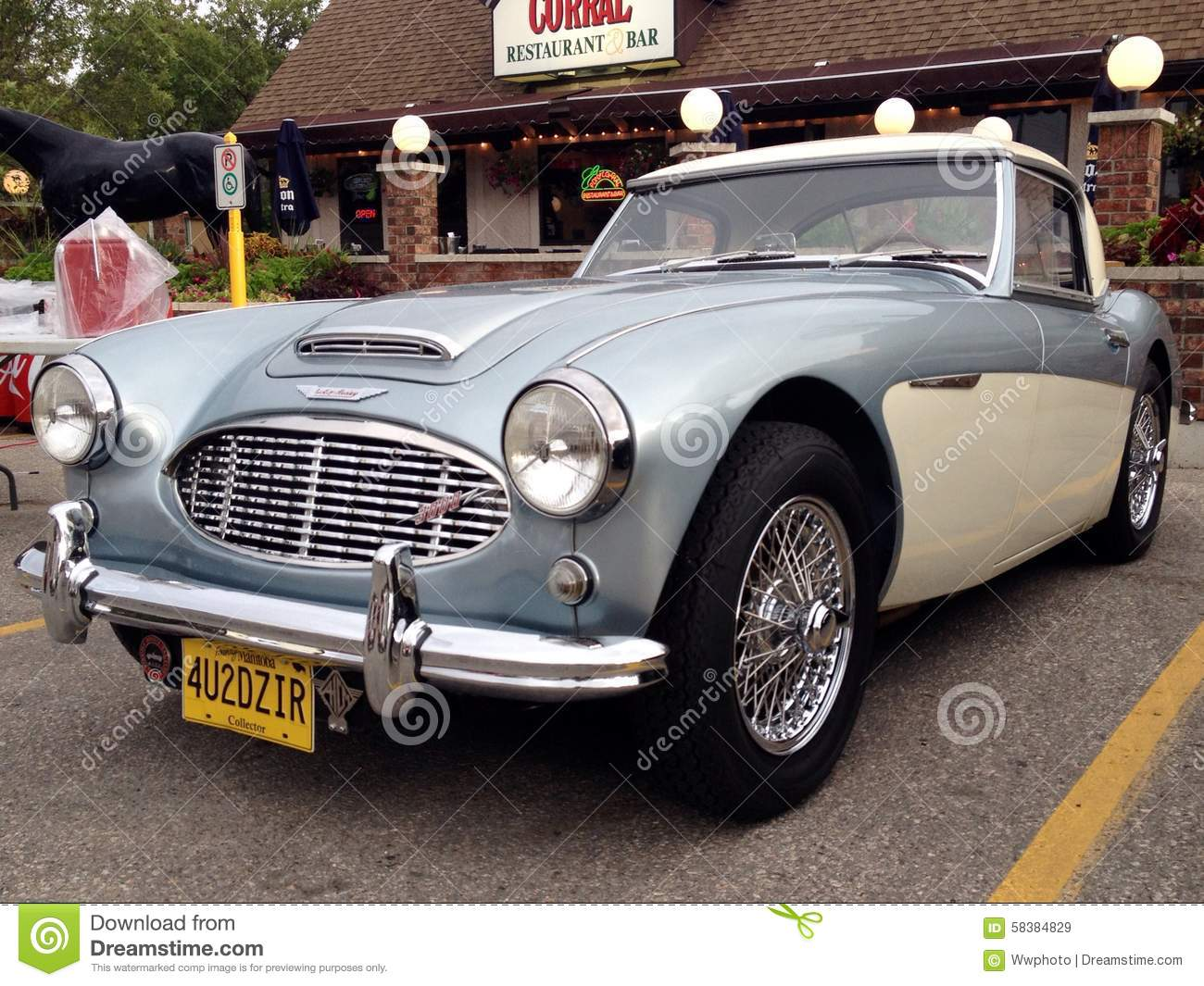 Exhibition Of Retro And Old Cars Editorial Stock Image - Image of ...