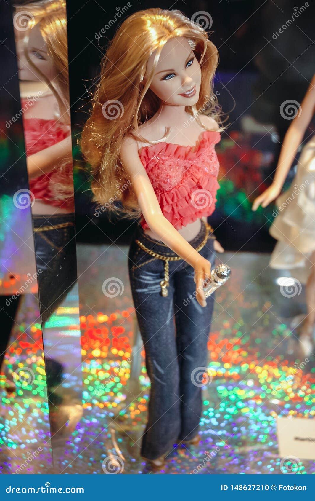 Exibição da boneca de Barbie