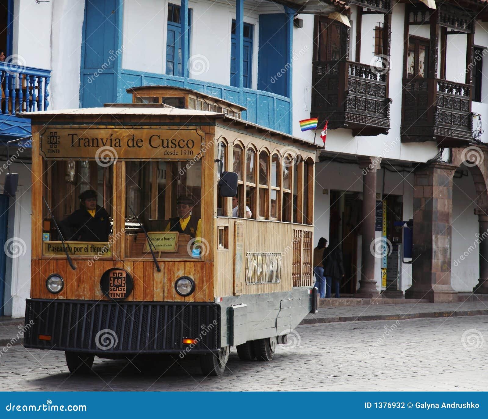 Exkursionsstraßenbahnwagen im Cuzco, Peru