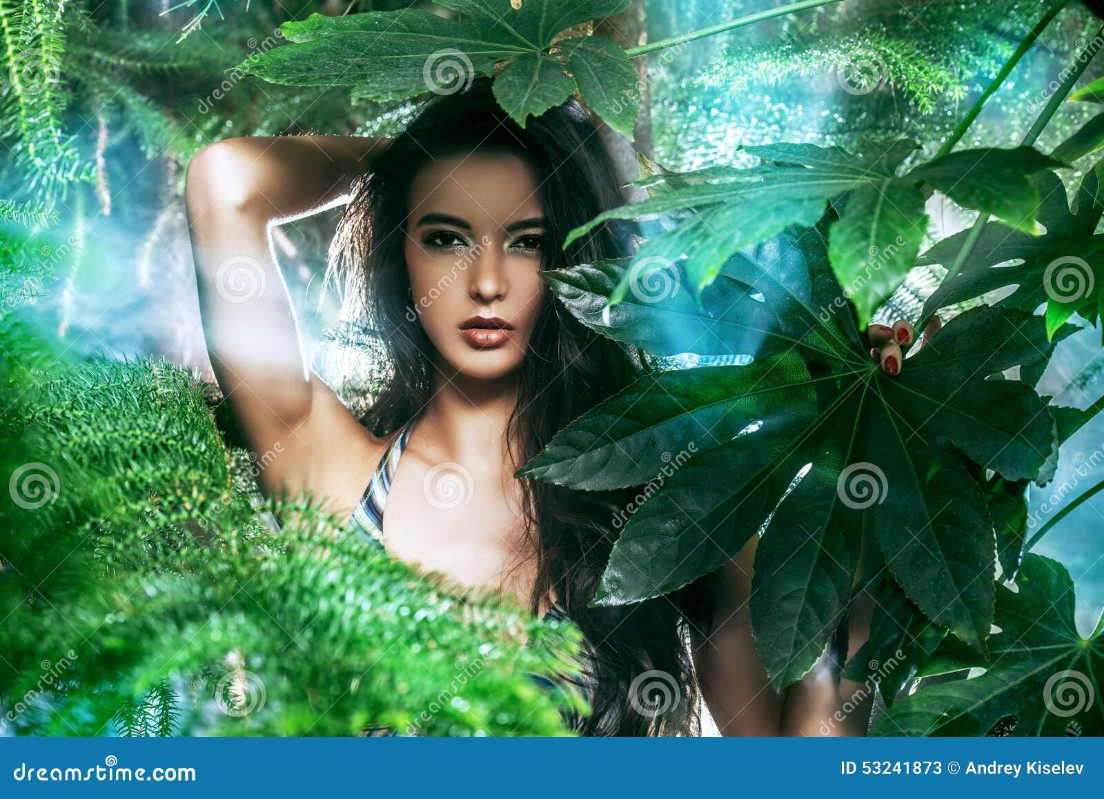 Тропические фото с девушками